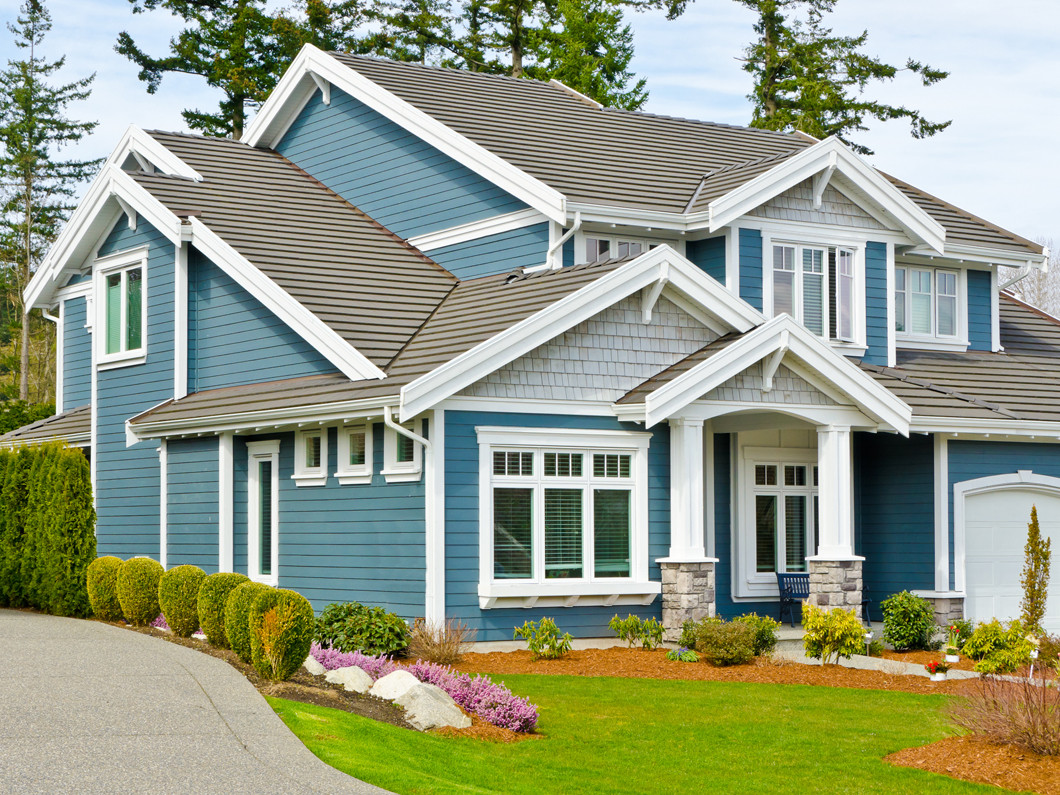 4 reasons to maintain your siding